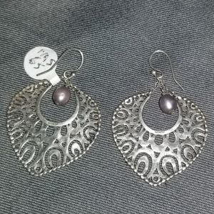 Silpada W1813 gray freshwater pearl earrings